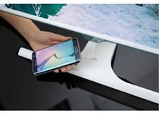 Der SE370 LED ist der erste Samsung Monitor mit integrierter Ladefunktion für mobile Endgeräte, die mit Qi-Wireless kompatibel sind.