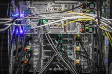 Neuer Internetknoten für das Ruhrgebiet in Betrieb: DOKOM21 Rechenzentren beheimaten Ruhr-CIX